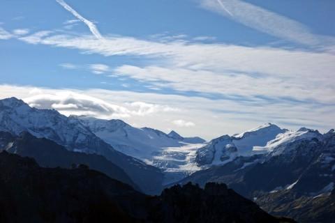 Links Blick zum Triftgletscher und Gammastock
