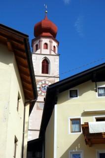 Kirche Tschars