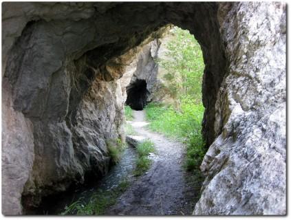 Gorperi Suon - Tunnels