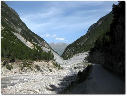 Wildes Val S-charl - links ist bereits Nationalparkgelände