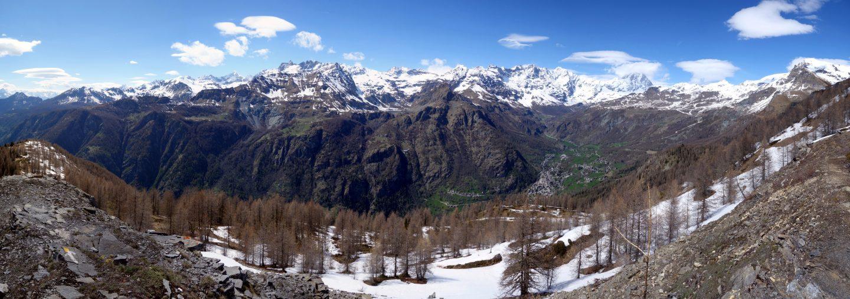 Panorama Valtournenche mit Matterhorn