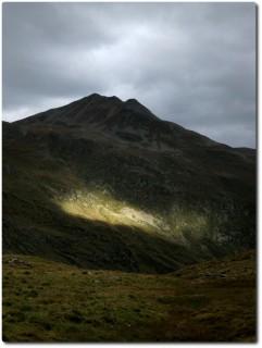 Regen und Sonne im letzten Aufstieg vor dem...