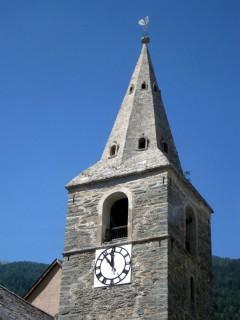 Steinerner Kirchturm von Vissoie