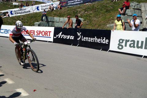 Nino Schurter in Siegerfahrt