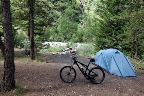 Zelt und Bike